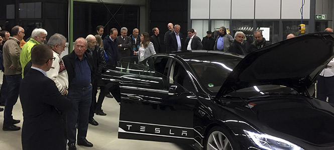 Tesla Präsentation vom AvD Club Kurhessen
